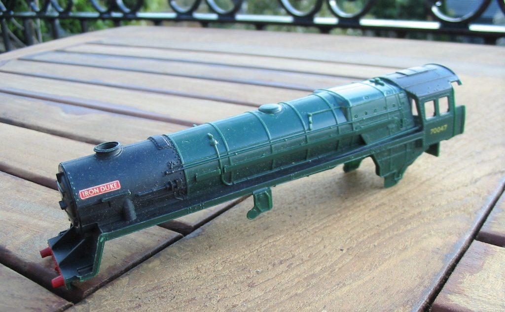 hornby r056  462 iron duke 70047 body shell  good